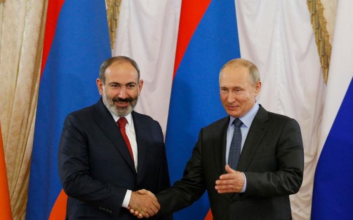 Putin Paşinyanla Qarabağ razılaşmaların müzakirə edib