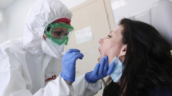 Rusiyada virusdan ölənlərin sayı 122 mini keçdi