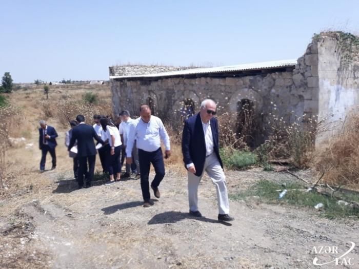 Un haut représentant des Nations Unies effectue une visite à Fuzouli