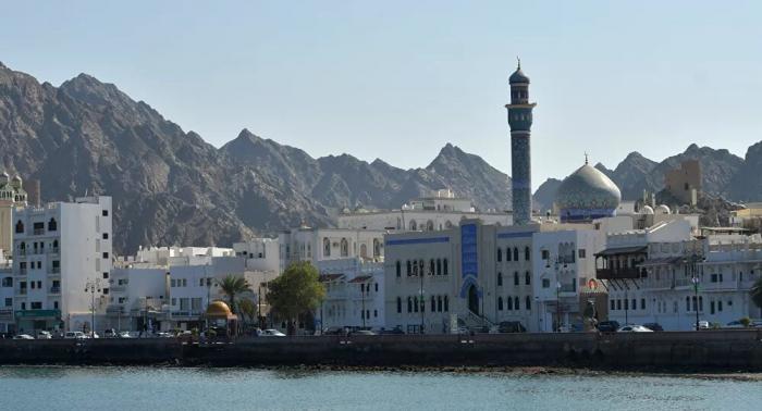 أمطار غزيرة تضرب عمان ووفاة شخص