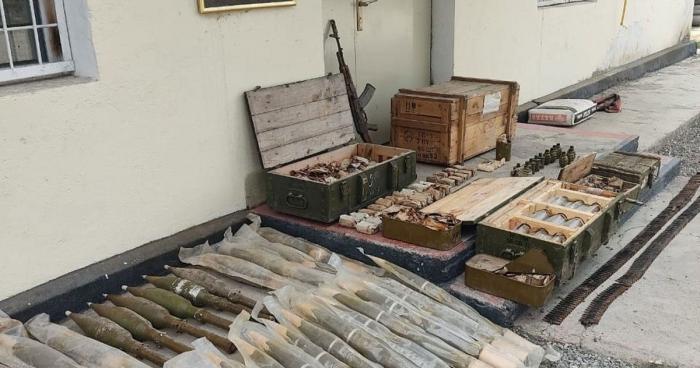 العثور على شحنة كبيرة من الأسلحة والذخيرة في منطقة قوبادلي -   صور