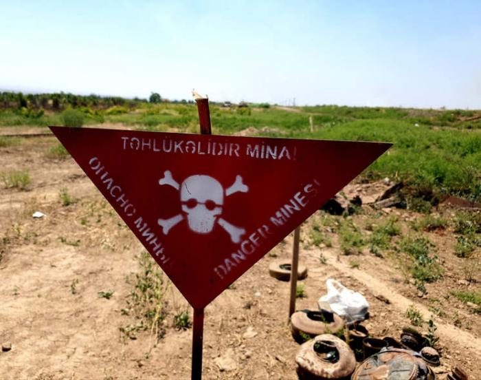 Hungarian journalist writes about mined Karabakh