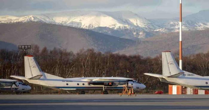 Russia plane crash kills all 28 on board
