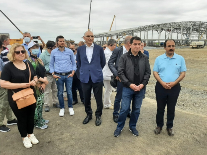 Foreign diplomats view ongoing construction of airport in Azerbaijan