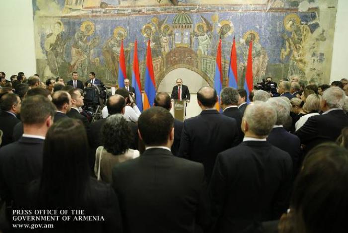 """Erneute """"Säuberung"""" des armenischen Außenministeriums:   26 Botschafter werden abberufen"""