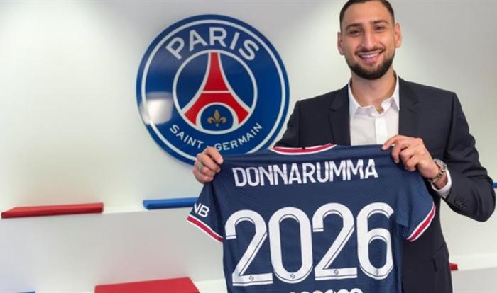 Paris Saint-Germain sign Italian goalkeeper Donnarumma