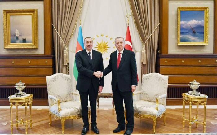 Telefongespräche zwischen den Präsidenten von Aserbaidschan und der Türkei stattgefunden