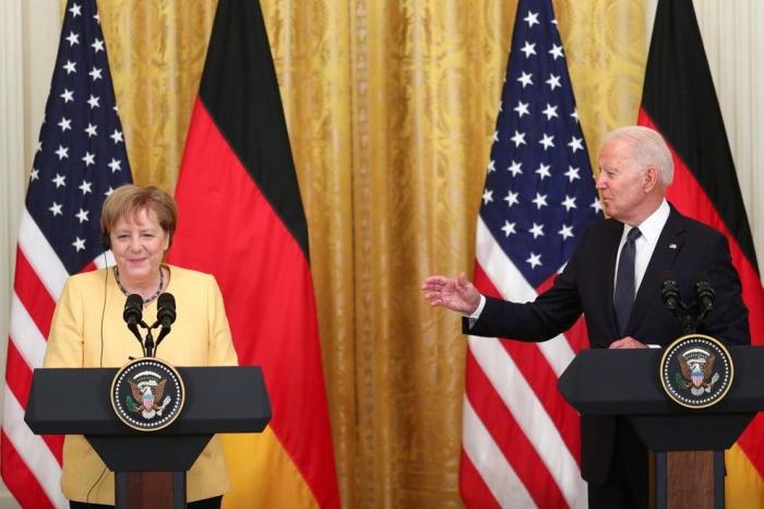 """Joe Biden y Angela Merkel prometieron mantenerse unidos para evitar """"la agresión"""" de Rusia"""