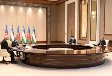 رئيس أوزبكستان يبحث مع نائب رئيس الوزراء الأذربيجاني تنظيم ملتقى إقليمية أولى