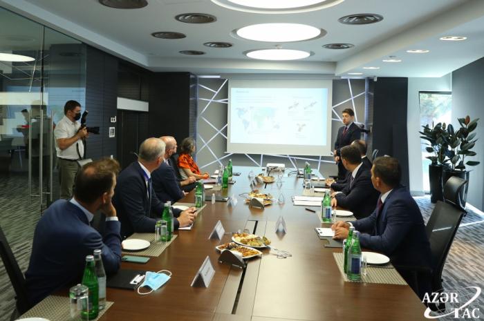 Präsident des Europäischen Rates besucht Hauptsatelliten-Bodenkontrollstation der aserbaidschanischen Raumfahrtbehörde