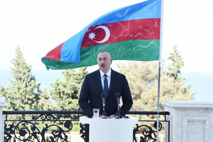 """İlham Əliyev:    """"Regionda bütün kommunikasiyalar eyni vaxtda açılmalıdır"""""""