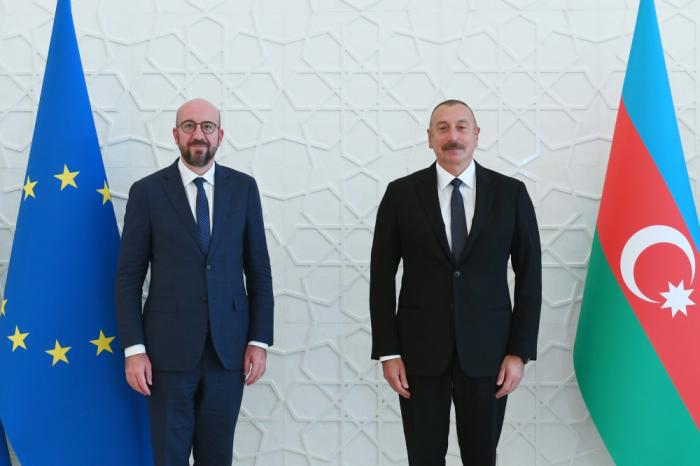 EN VIVO:   Ilham Aliyev y Charles Michel celebran una rueda de prensa conjunta