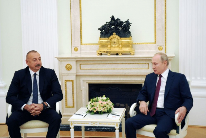Präsident Ilham Aliyev trifft zu Arbeitsbesuch in Russland ein