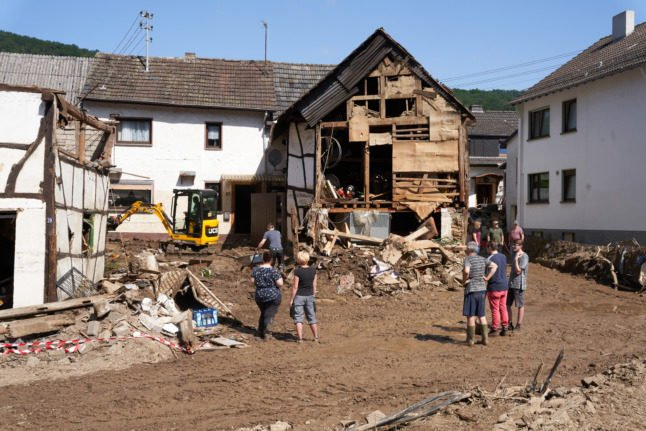 Germany Floods Aftermath -   NO COMMENT