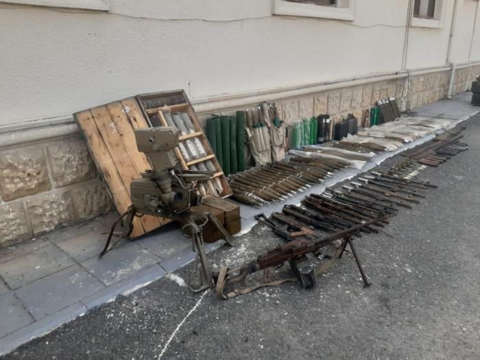 Von Armenien zurückgelassene Munition im aserbaidschanischen Bezirk Füzuli gefunden