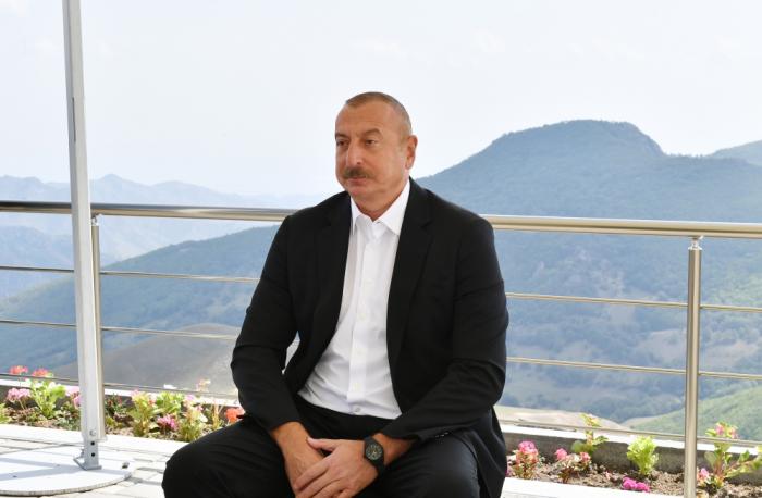 Präsident Aliyev:   Aserbaidschan ist vom Krieg betroffen, aber Armenien wird Geld zur Verfügung gestellt