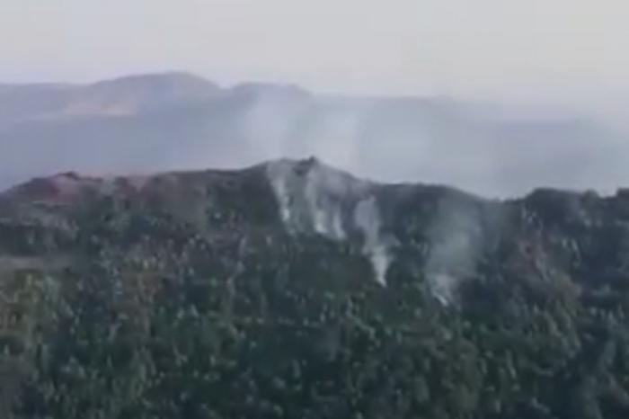 Feuer in einem verminten Gebiet im befreiten Chodschavand gelöscht