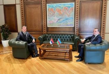 وزير الخارجية يستقبل نظيره الصربي