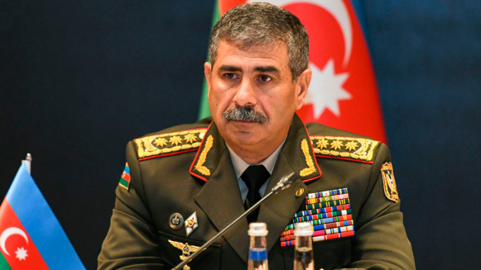 Azerbaijani Defense Minister offers condolences to Turkish officials