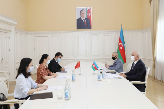 Azərbaycan-Çin əməkdaşlığı müzakirə olunub