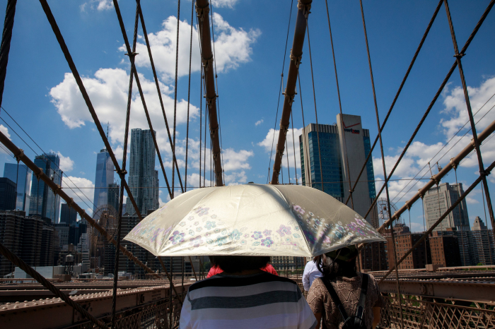 How to cool a city struggling with heatwaves -   iWONDER