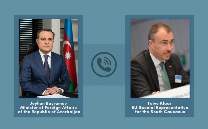 El canciller azerbaiyano discute las tensiones fronterizas con el representante de la UE