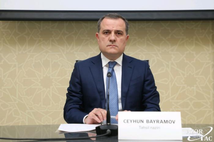 El canciller Bayramov expresa sus condolencias a Cavusoglu por el incendio