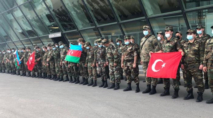 100 empleados del Ministerio de Situaciones de Emergencia de Azerbaiyán parten hacia la provincia de Dalaman de Turquía