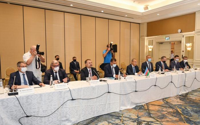 Luchadores de Azerbaiyán comienzan a entrenar en Tokio