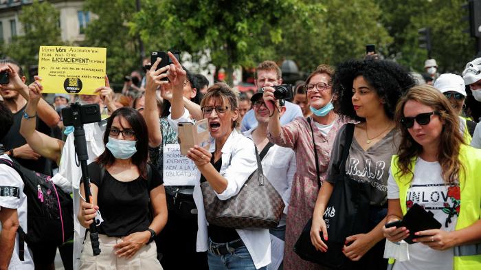 Fransada aksiyalar səngimir-    Polis 71 nəfəri saxladı