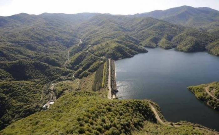 Azərbaycanı 30 il susuz qoyanların su qayğısı -  Replika