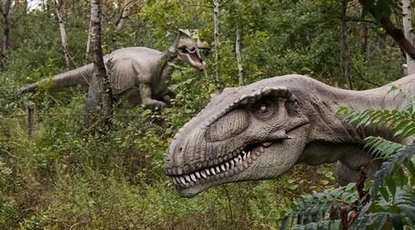 دراسة تكشف سبباً جديداً لانقراض الديناصورات...