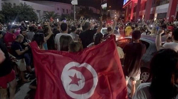 تونس تفيق على الغموض والترقب