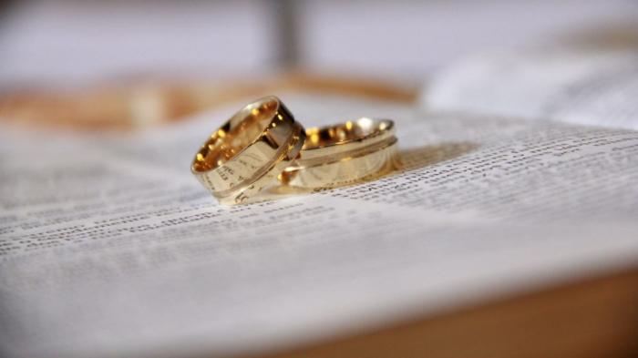 Astarada 16 yaşlı qız 30 yaşlı kişiyə nişanlanır -    FOTO