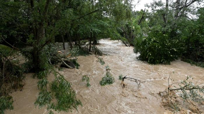 Qırğızıstanda sel 6 nəfərin ölümünə səbəb oldu
