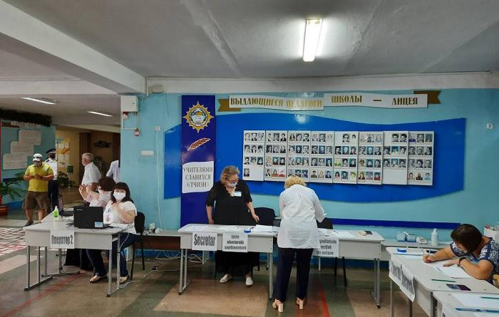 Moldovada növbədənkənar parlament seçkiləri keçirilir