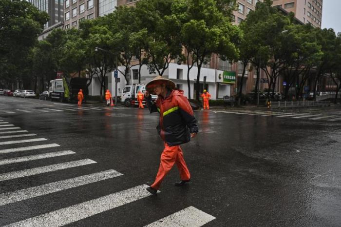Arrivée du typhon In-Fa en Chine