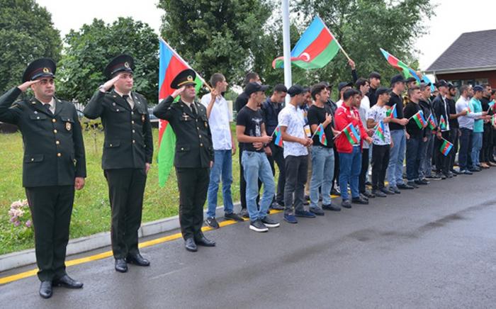 Çağrışçılar hərbi xidmətə yola salınıb