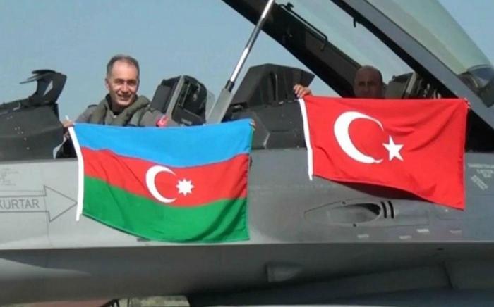 التصديق على اتفاقية تدريب الطيارين مع تركيا
