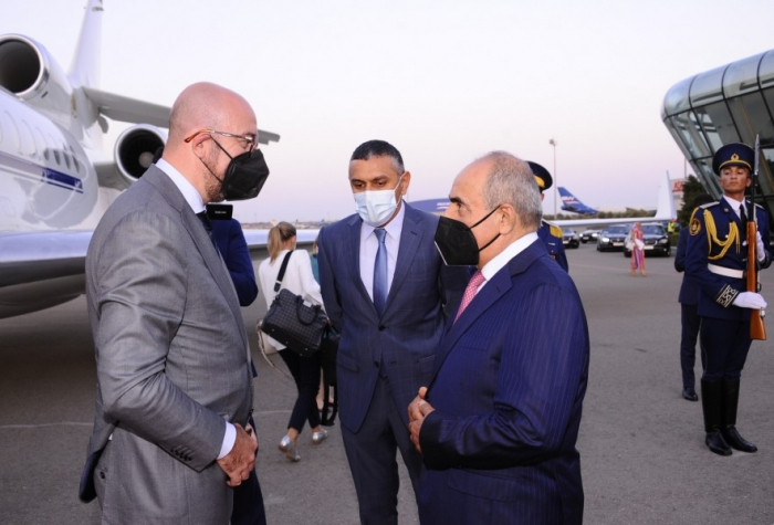 رئيس المجلس الأوروبي يصل إلى أذربيجان
