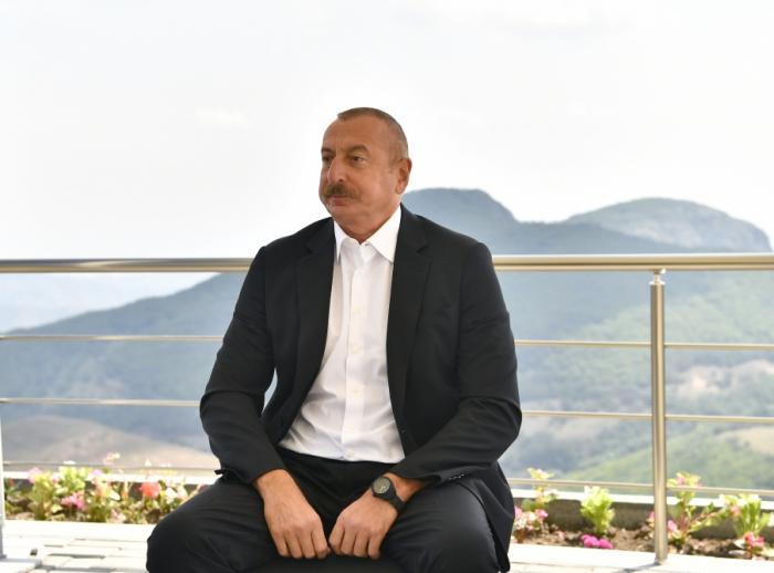 """""""Putinlə çox yaxın əlaqələrim var, bir-birimizə inanırıq""""-    İlham Əliyev"""