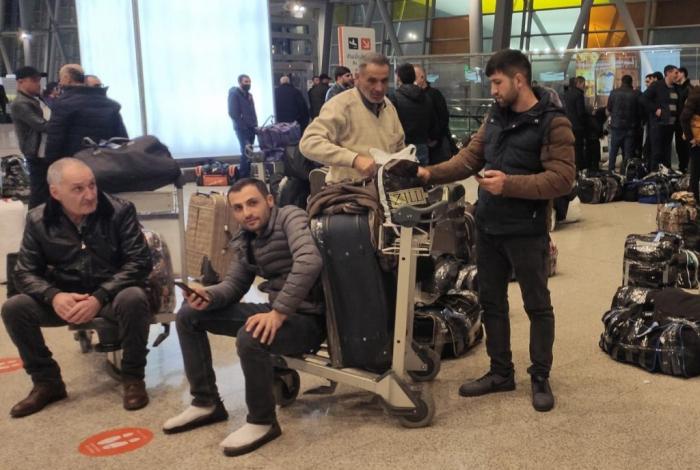Qaçırlar:  Ermənistanı tərk edənlərin sayı rekord vurur -  Statistika