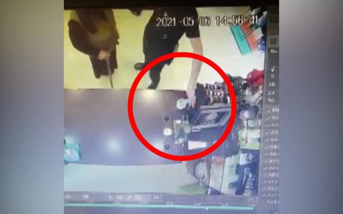 Bakıda 20-yə yaxın mağazadan telefon oğurlanıb -    VİDEO