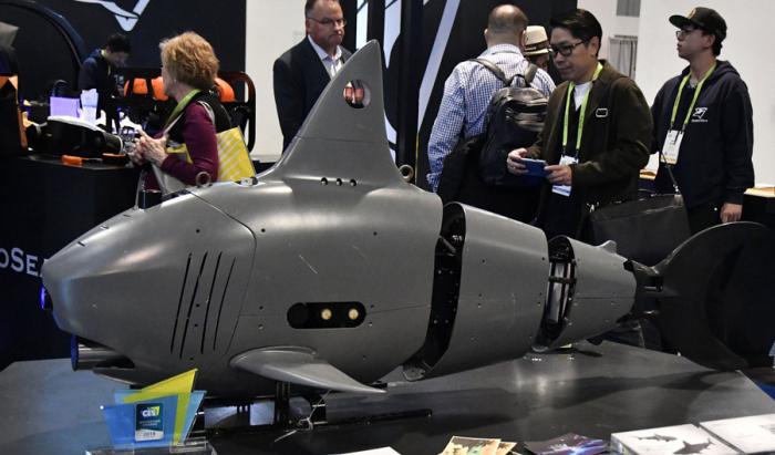 Köpək balığı formasında çoxfunksiyalı sualtı dron hazırlandı