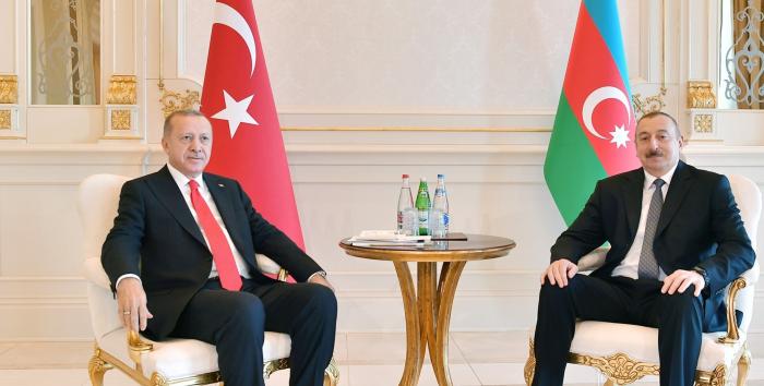 Le président Aliyev présente ses condoléances à son homologue turc Erdogan