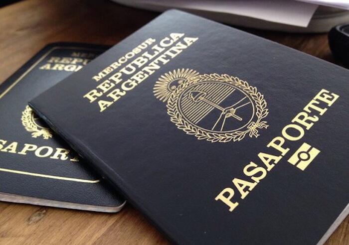 Latın Amerikasında ilk: Argentinalılar pasportlarda cinsiyyəti gizlədəcəklər