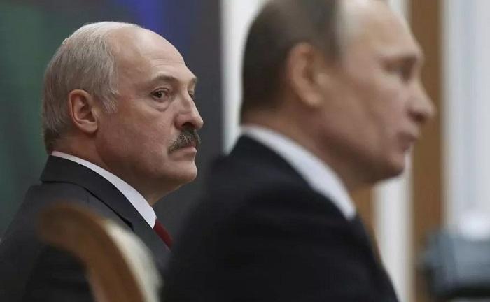 """Putin """"Belarus kartı""""nı əla oynayır:    Lukaşenko tarixin yolayrıcında –    TƏHLİL"""