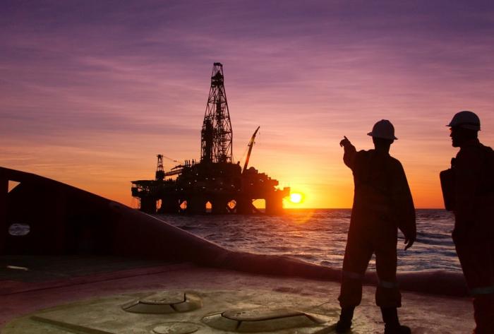 Les prix du pétrole continuent d