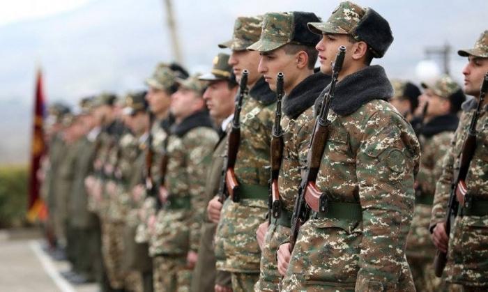 Ermənistan ordusunda hərbi xidmət müddəti azaldılır