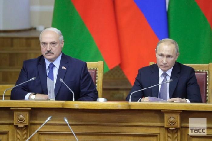 Putin ilə Lukaşenko arasında telefonla danışığı olub